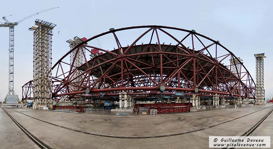 panoramique construction arche Tchernobyl, Ukraine